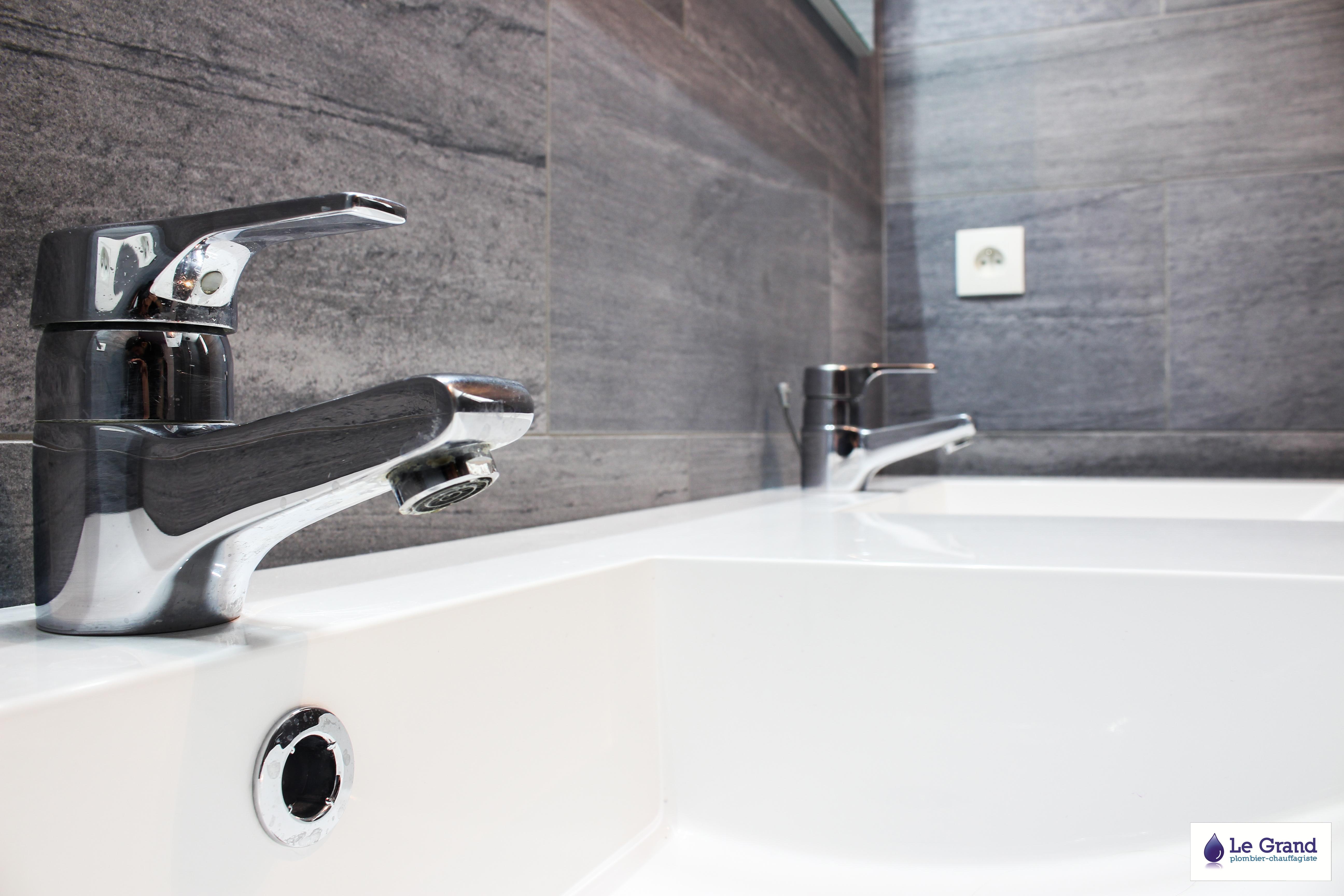 Le grand plombier chauffagiste rennes bruz salle de for R s bains advocate