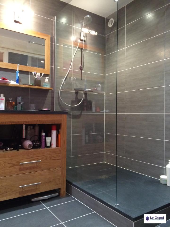 Le grand plombier chauffagiste rennes bruz salle de for Faience noire salle de bain