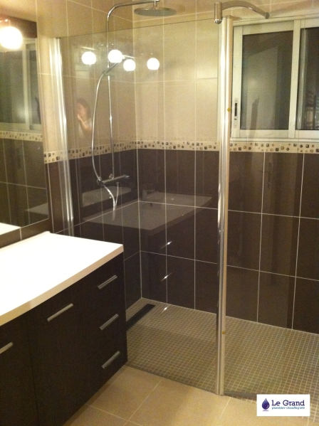 Galerie photo le grand plombier chauffagiste rennes for Salle de bain carrelage marron