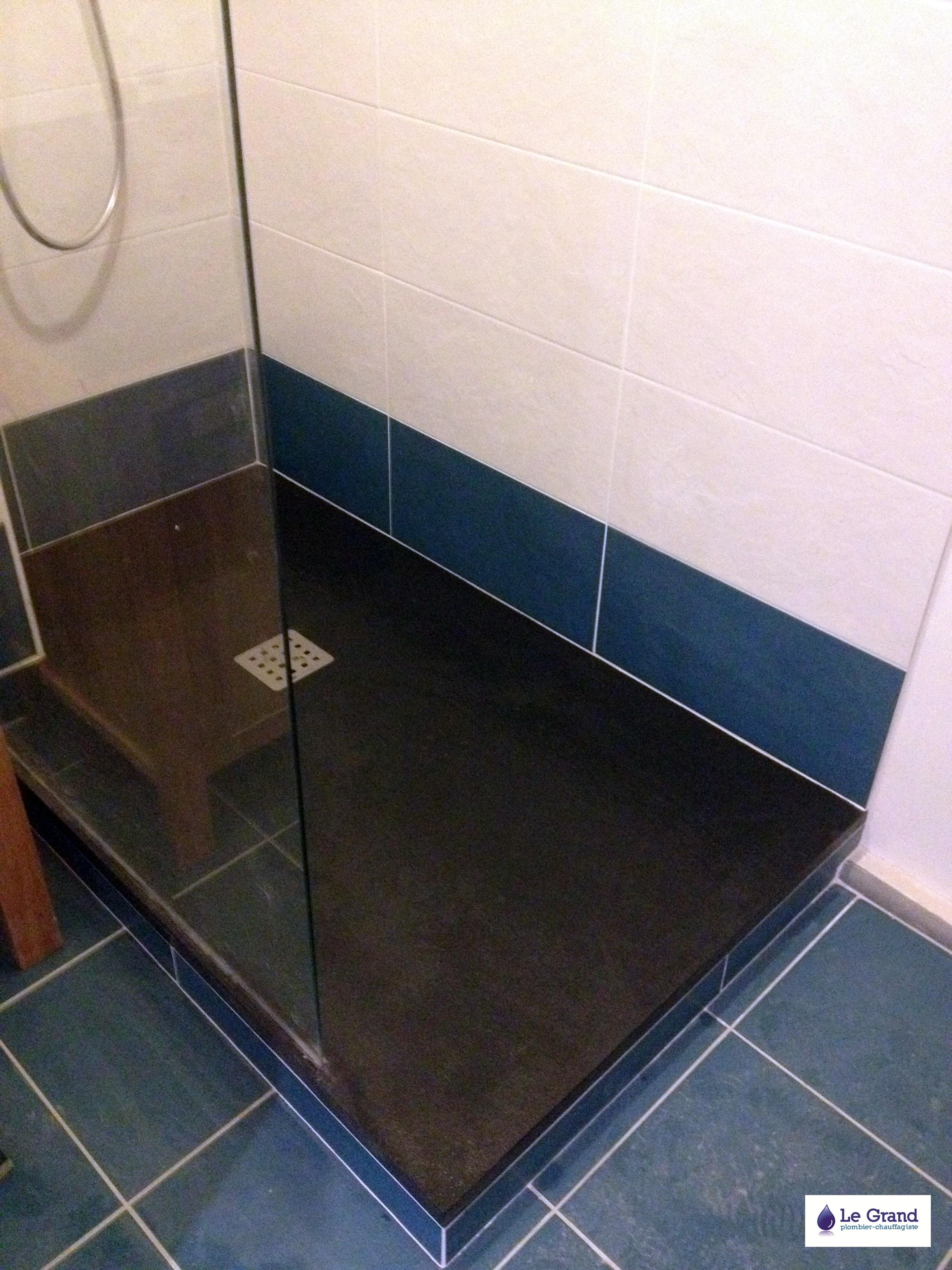 legrand-plomberie-plombier-rennes-Salle de bains-carrelage bleu  Le ...