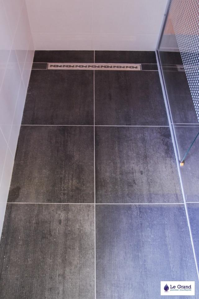 Salle de bains rennes douche italienne le grand plomberie for Grand carrelage