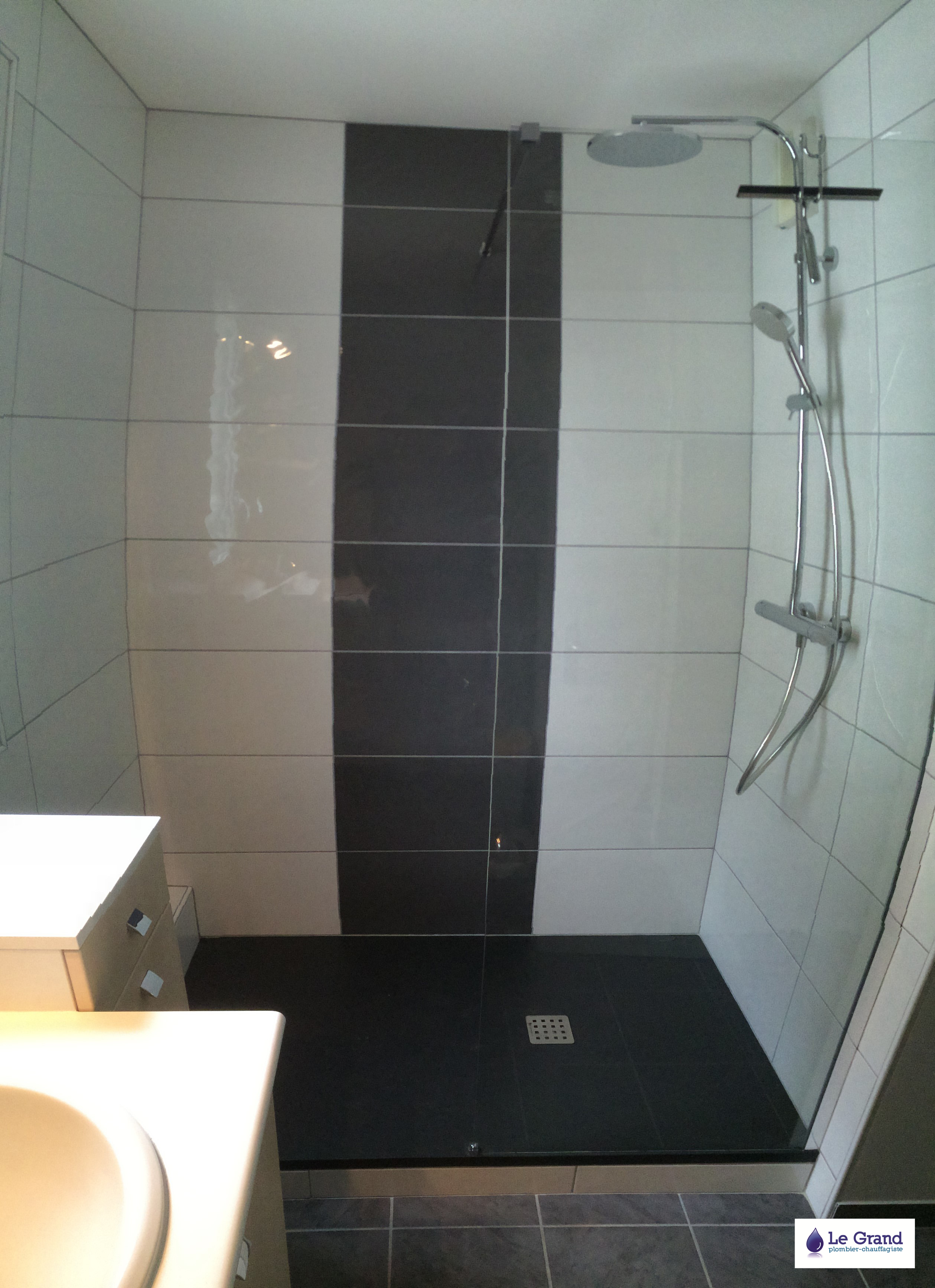 Salle de bain noir design: salle de bain super tendance. r ...