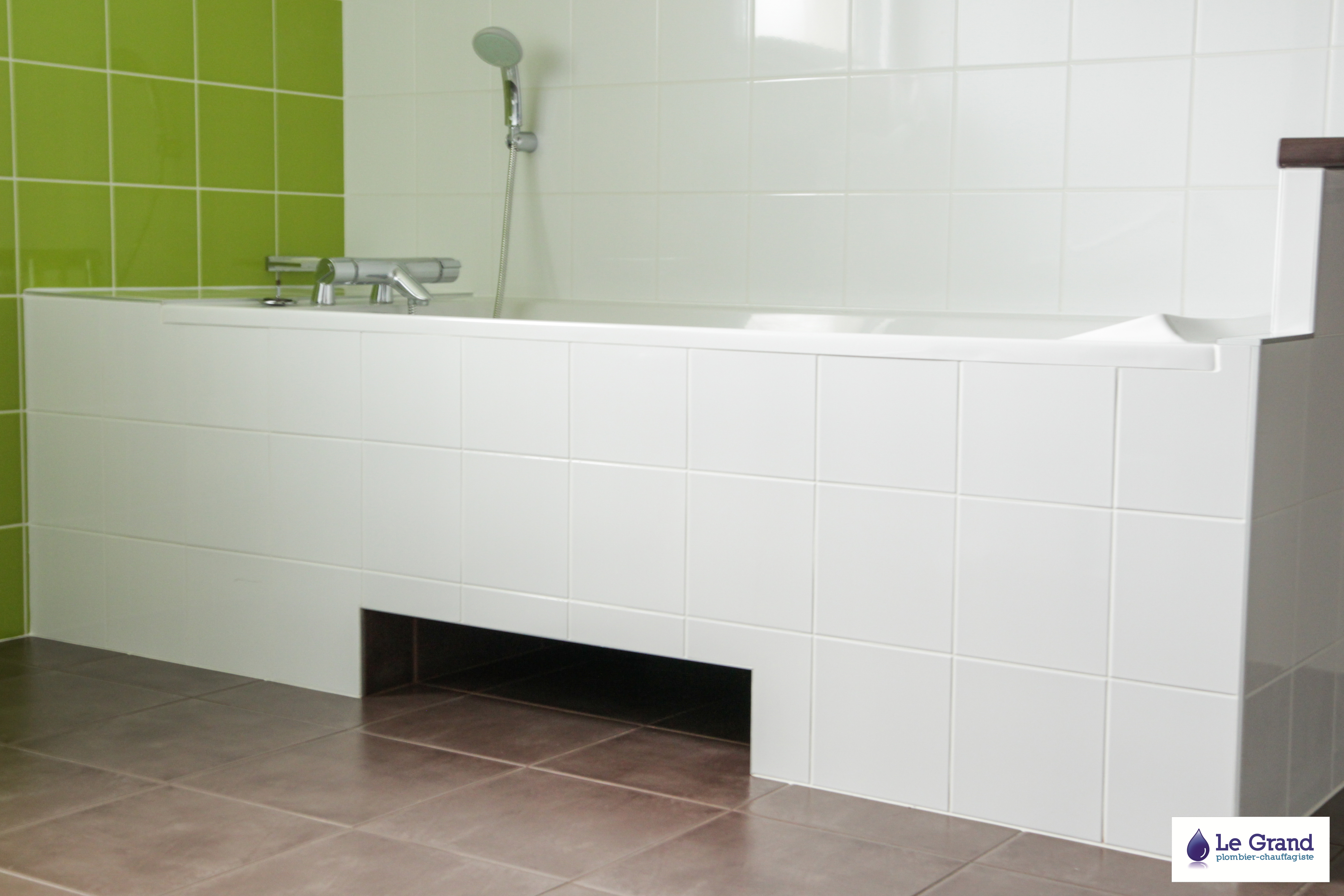 Salle de bains rennes pmr le grand plomberie chauffage for Salle de bain grand carrelage